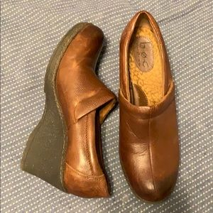 b.o.c. Brown Leather wedge heels size 10